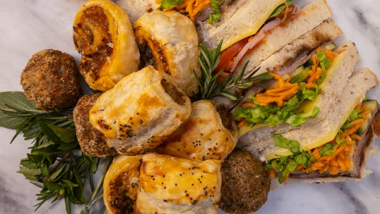 Sandwiches & Hot Finger Foods